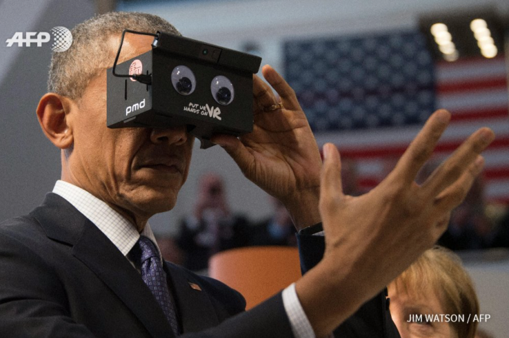 obama-tries-vr-for-first-time