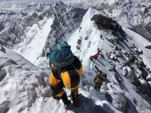 summit-of-mt-everest-in-vr