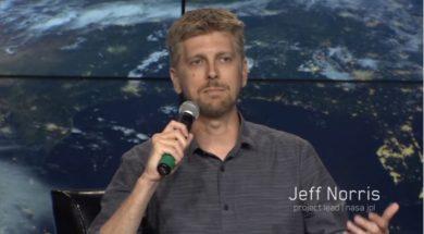 Apple-Hires-NASA-AR-Expert-Jeff-Norris