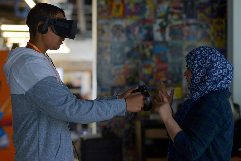 Oculus Partners Up With The California State Librabry To Bring 100 Oculus Rifts To 90 Libraries