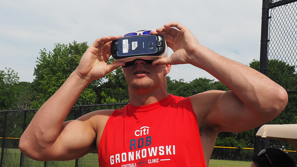 Gronk Goes 360 With Jaunt VR