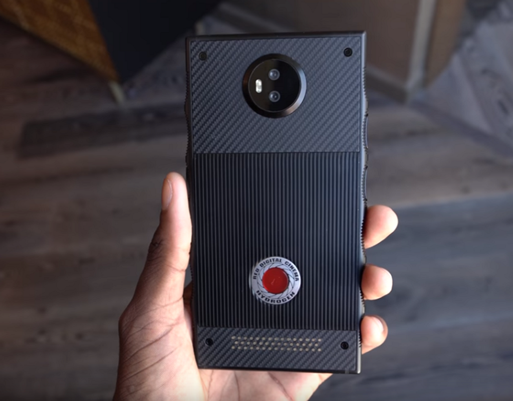 Red Hydrogen AR Smartphone Shipping This Summer In 2018