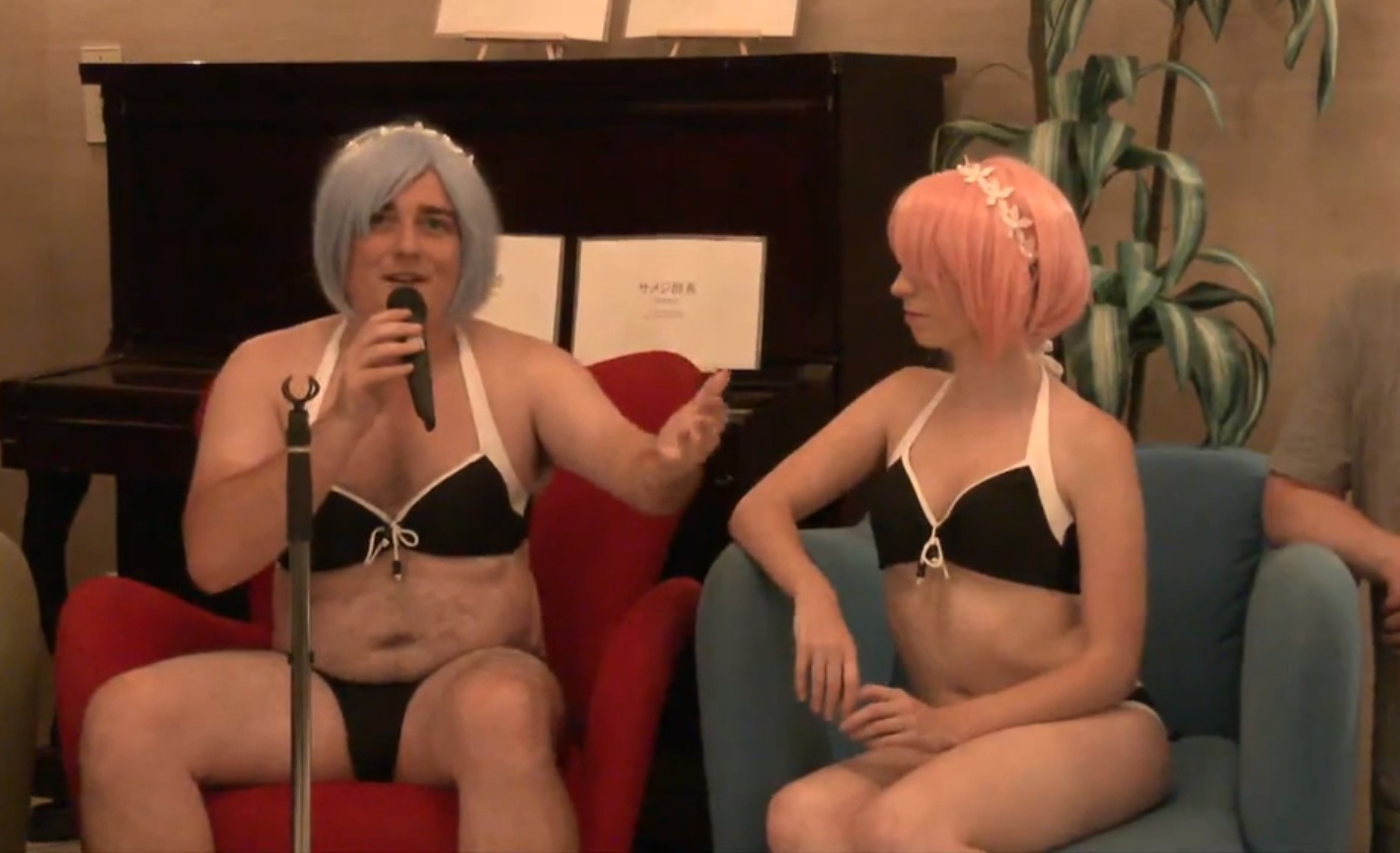 Palmer Luckey Talks About Adult VR While Wearing A Bikini