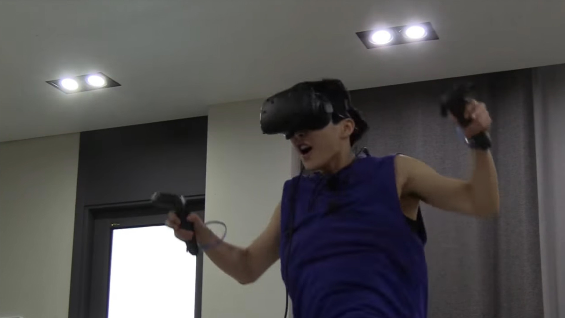 Xiumin From KPOP Band EXO Tries VR On HTC Vive