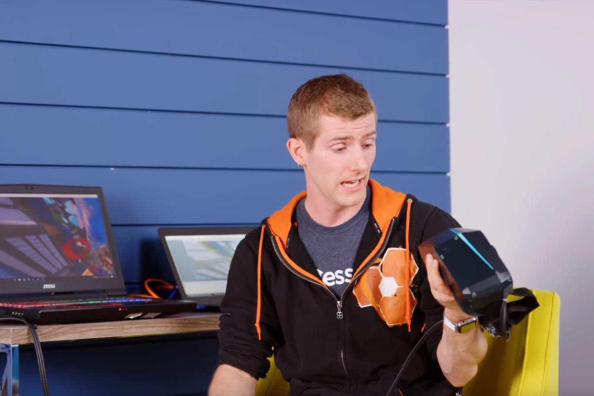 Linus Tech Has Mixed Reactions About Pimax 8K