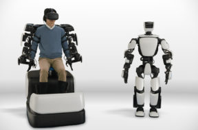 toyota t-hr3 humanoid robot controlled by VR