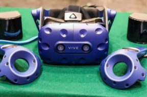 htc vive pro with new controllers and steamvr 2.0 base station