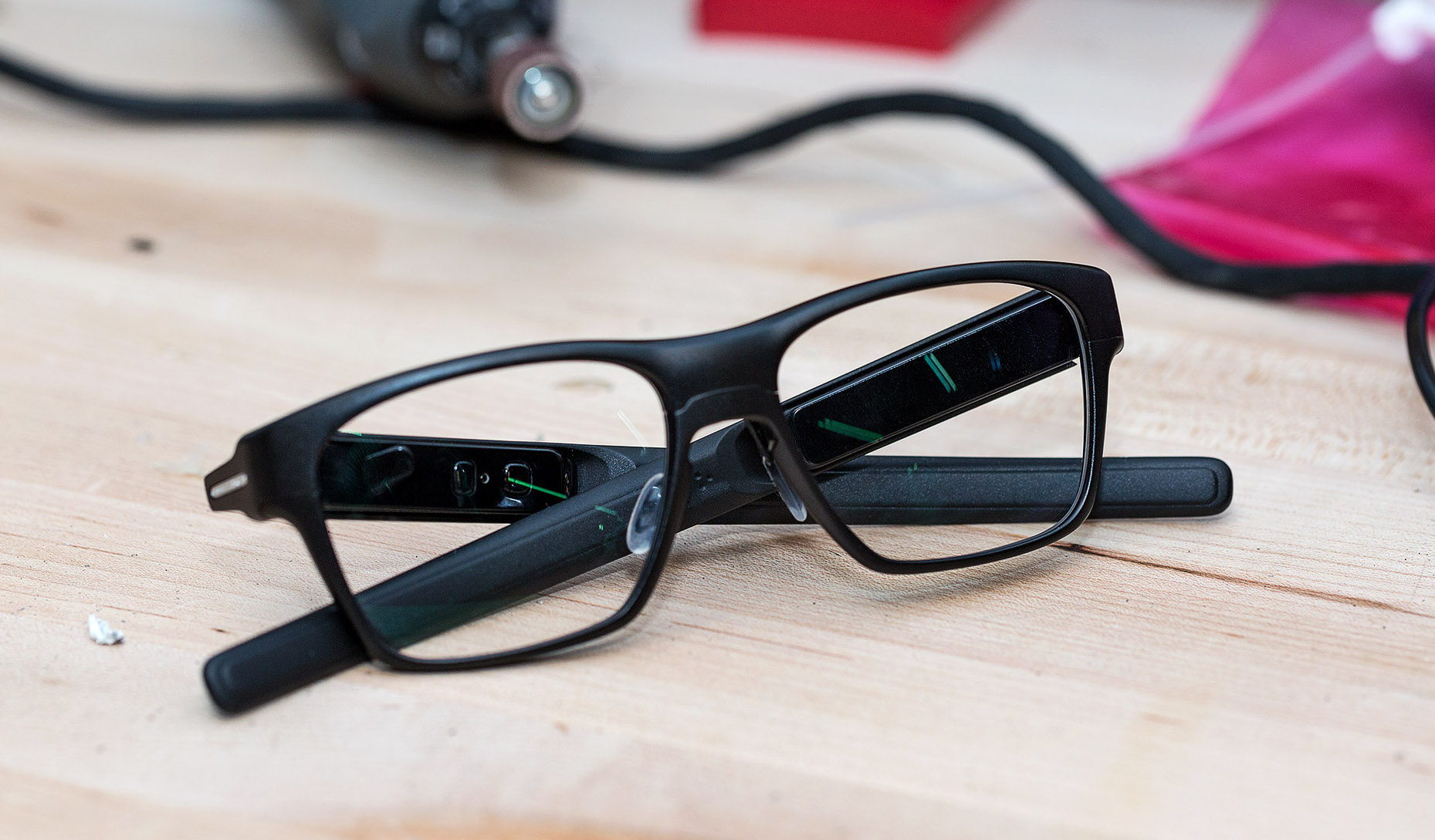 Intel vaunt smart Glasses