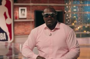 shaq wearing magic leap one nba tnt