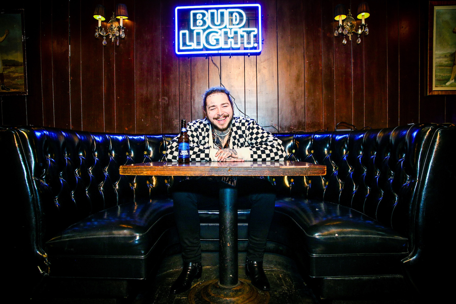 Post Malone Will Be Joining The Bud Light Dive Bar Tour And You Can Watch it For Free