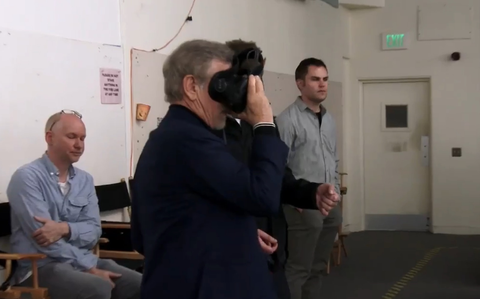 Check Out Steven Spielberg Using The HTC Vive Headset During The Making Of Ready Player One